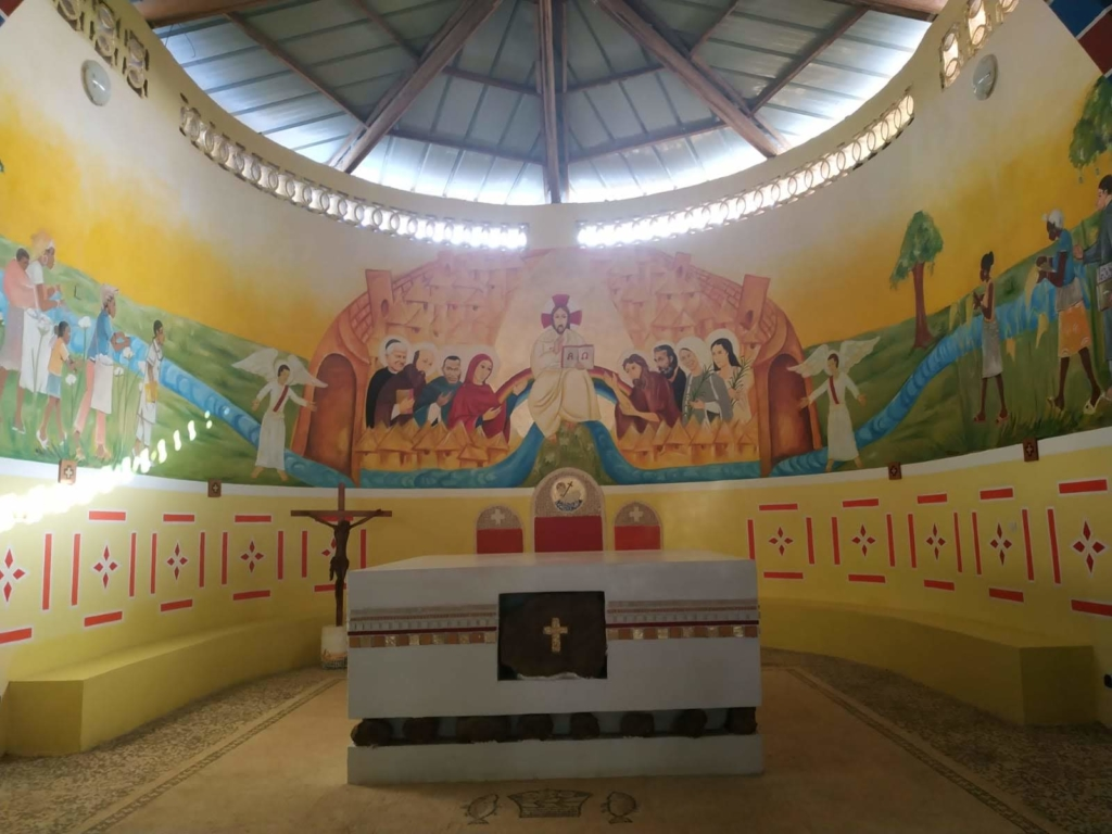 L'abside della nuova chiesa di Dianra Village